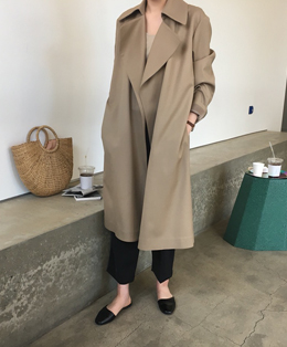 MUSEUM LOW TRENCH (BEIGE)