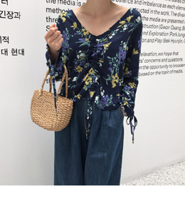 STRING FLORAL BLOUSE (NAVY)