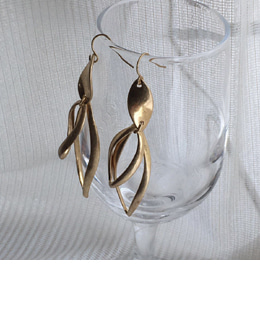 matt leaf earrings